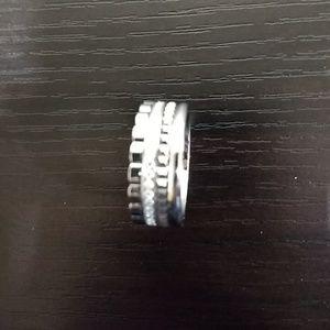 Jewelry - ❤️ Valentine's Day 🎁! Spinning CZ ring.
